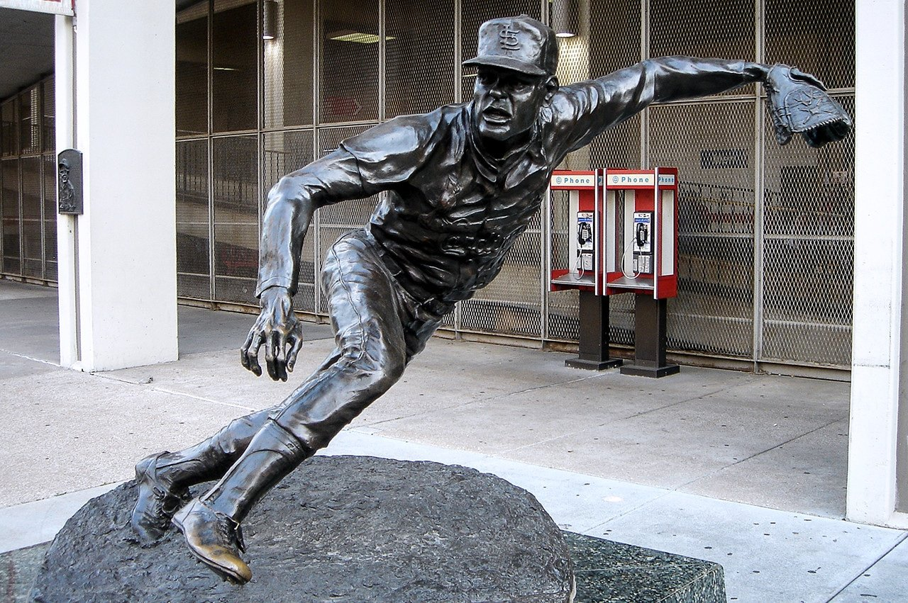 Bob Gibson statue outside old Busch Stadium