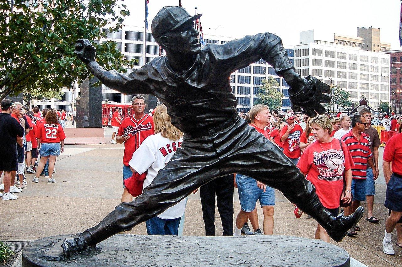 Dizzy Dean statue outside old Busch Stadium
